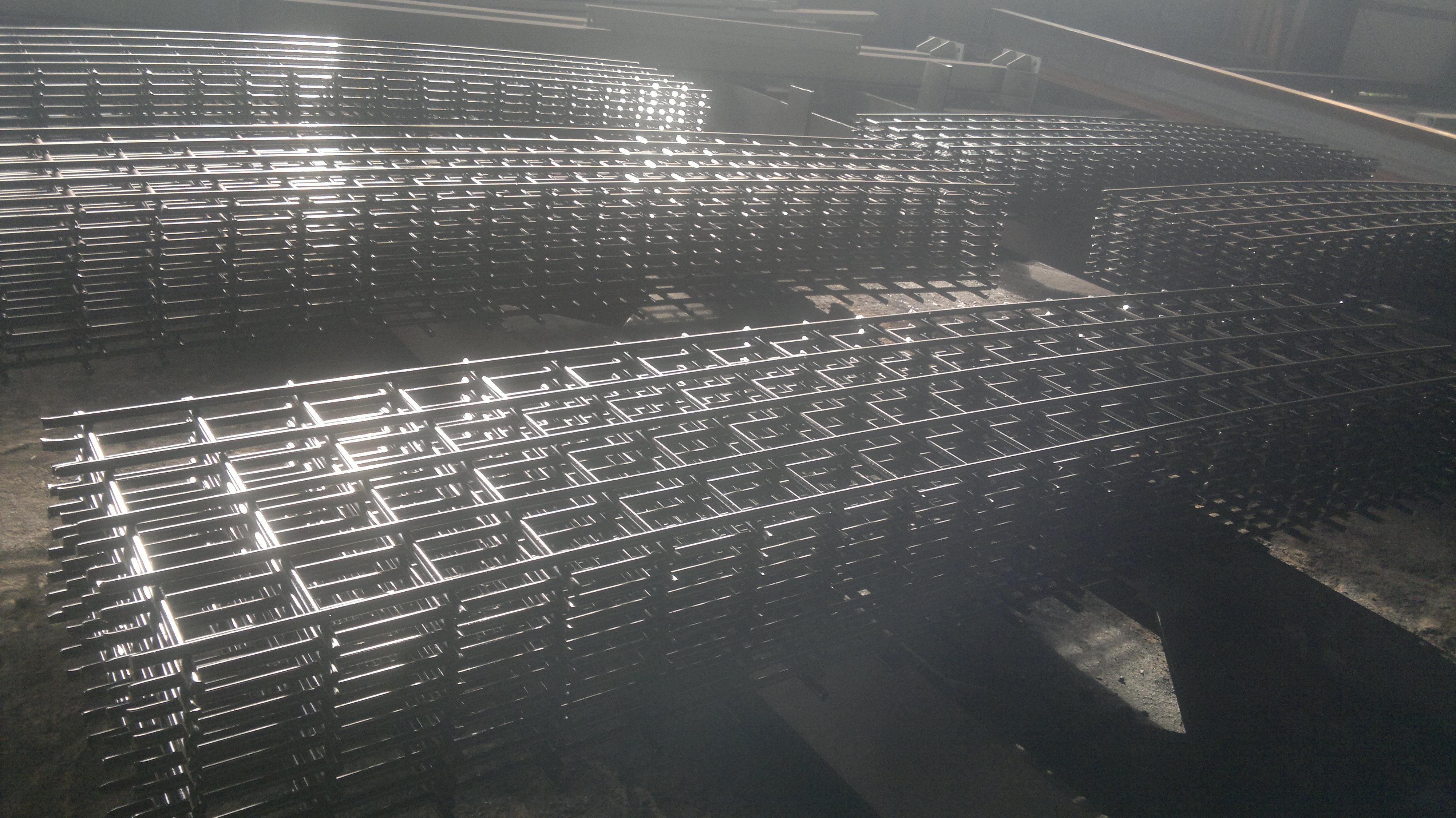 Противоподкопная сетка покрытие битумный лак